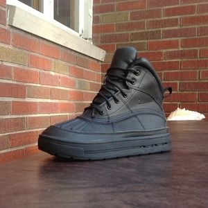 NIKE ACG WOODSIDE 2 HIKING SHOES SZ 5.5Y